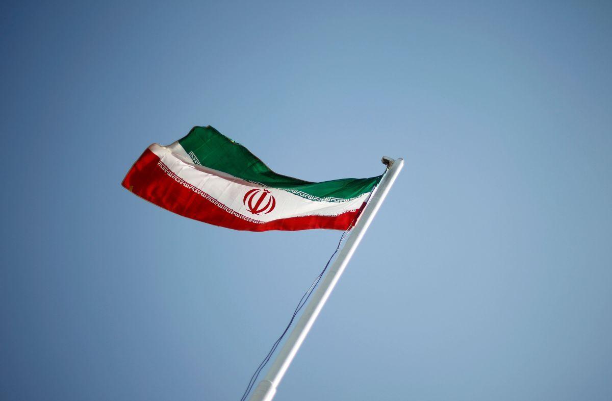 Иран назвал матерщину лучшим способом общения со США