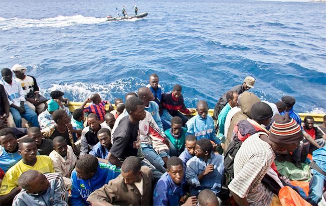 У берегов Бангладеш затонула лодка с беженцами-мусульманами из Мьянмы: есть погибшие