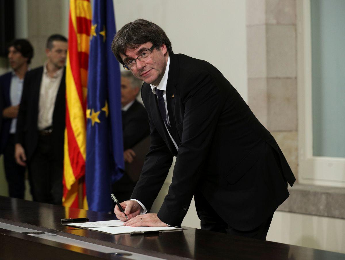 "Лидер Каталонии подписал ""декларацию о независимости"""