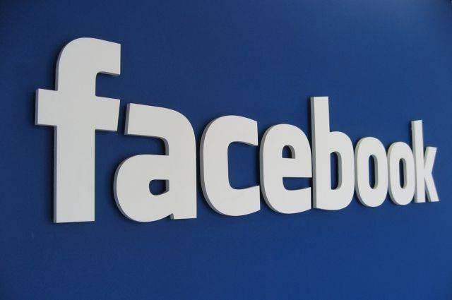 В работе соцсетей Facebook и Instagram произошел глобальный сбой