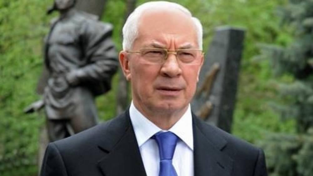 От газа к кизяку: Азаров рассказал о регрессе Украины