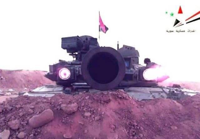 Т-90 с «красными глазами» на позиции сирийских войск