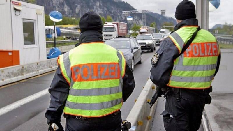 Германия продлевает пограничный контроль до мая 2018 года
