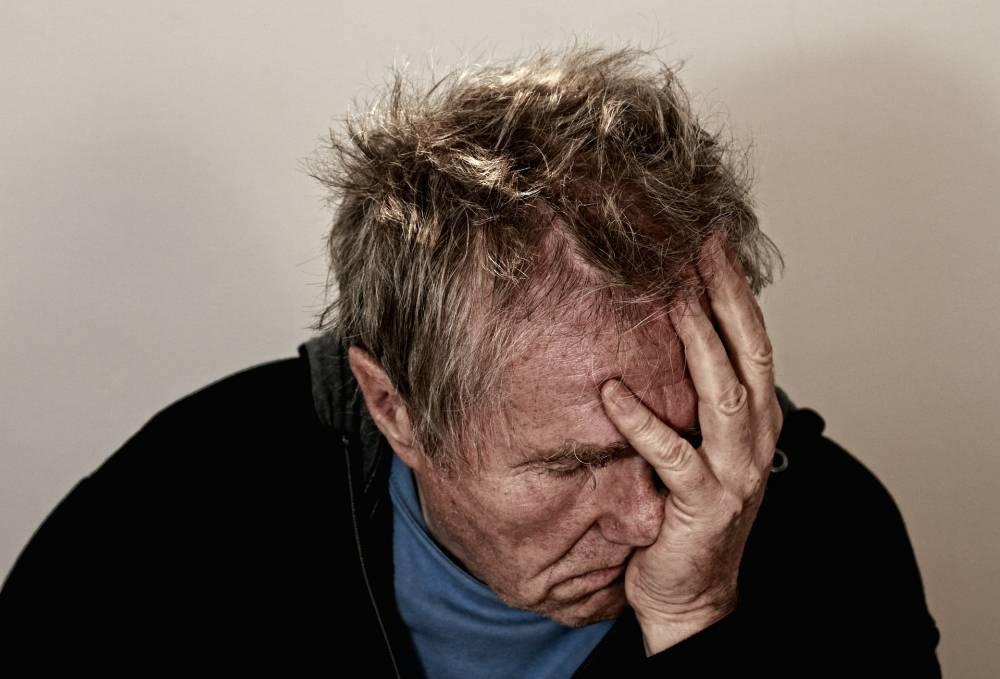 Более миллиона британцев страдают от одиночества