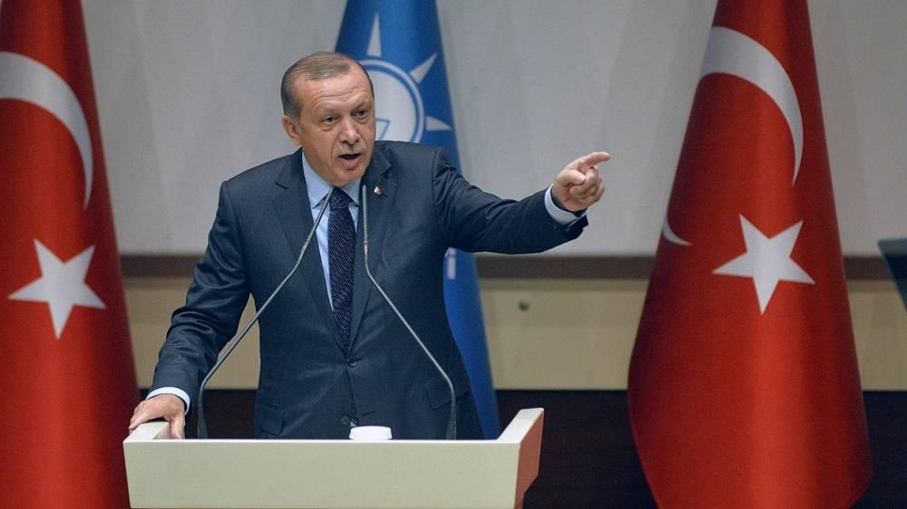 Эрдоган указал на двуличие США в ситуации вокруг поставок оружия