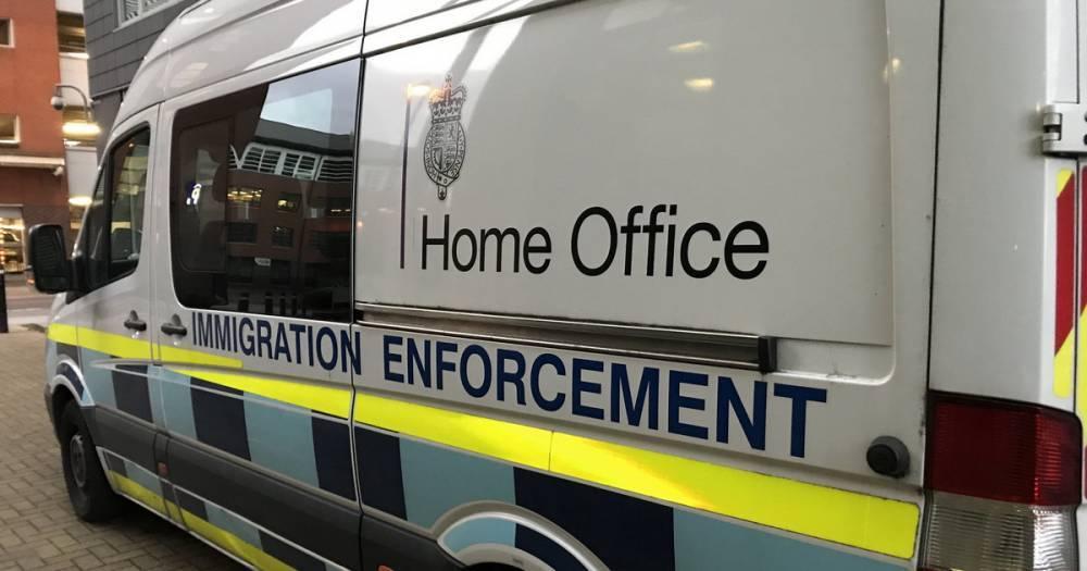 "Guardian насчитало 17 тысяч ""британцев-беспаспортанцев"""
