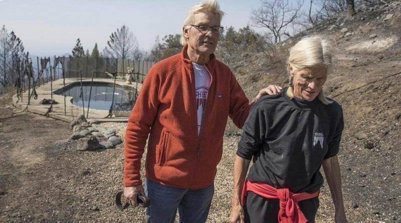Пожилая пара провела в бассейне 6 часов, чтобы спастись от пожара в Калифорнии