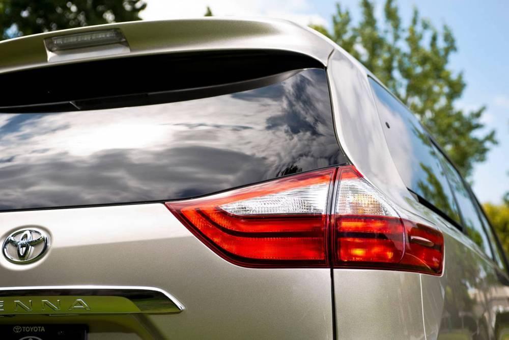 Toyota отзывает 347 тысяч минивэнов Sienna из-за опасной неисправности