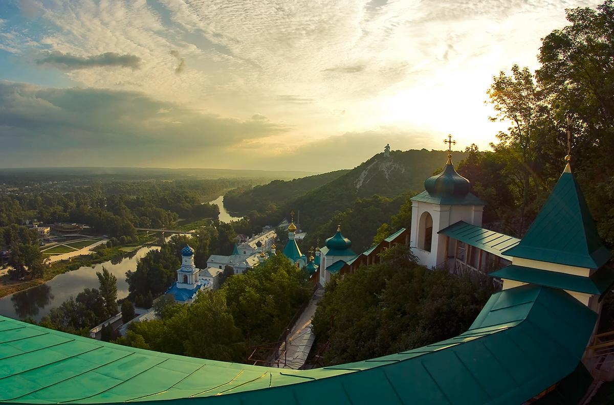Святогорская лавра в пятерке наиболее популярных украинских пейзажей