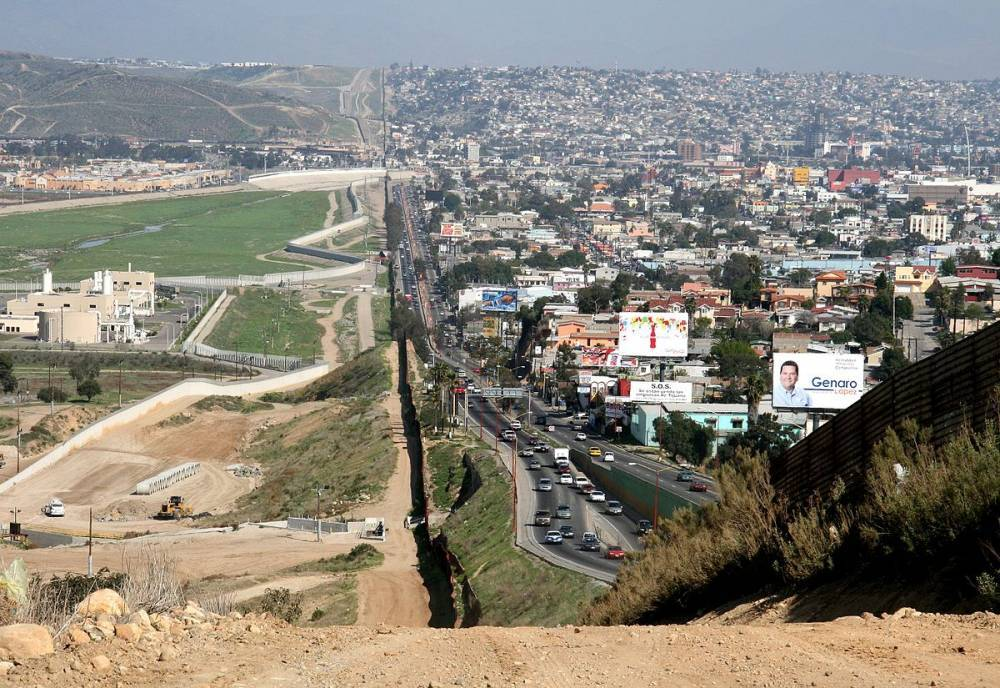 mexicans on the usa Immigrants in the united states contribute billions of dollars in taxes immigrant-led households across the united states contributed a total of $2236 billion in federal taxes and $1046 billion in combined state and local taxes in 2014.