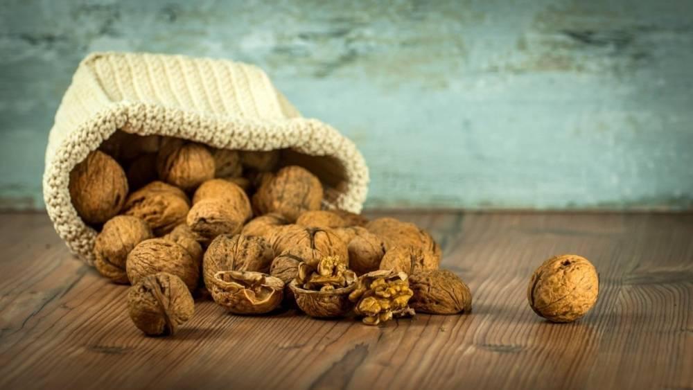 Незаконно ввезенные в Приморье фрукты и орехи из Китая вернули на родину