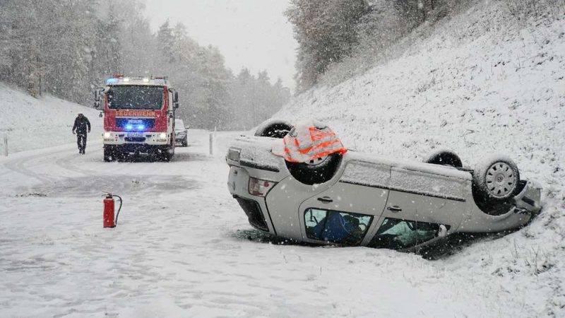 Первый снег в Баварии стал причиной множества аварий
