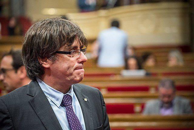 Пучдемон призвал ЕС оказать давление на Испанию за отход от демократии