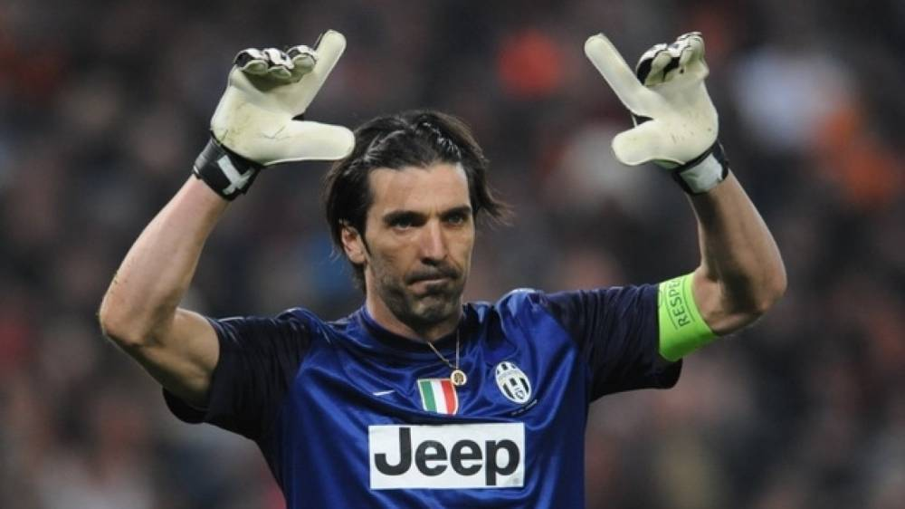 Буффон в слезах объявил о завершении карьеры в сборной Италии