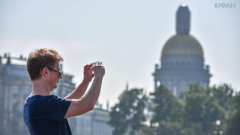 Полтавченко рассказал, чего ждут туристы от Петербурга