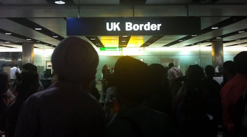 Румыны и болгары начали убегать из Великобритании