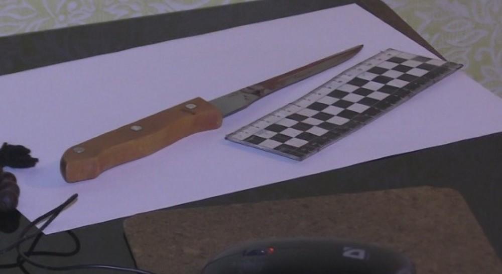 С ножом в груди: в Киеве нашли мертвой 15-летнюю девушку