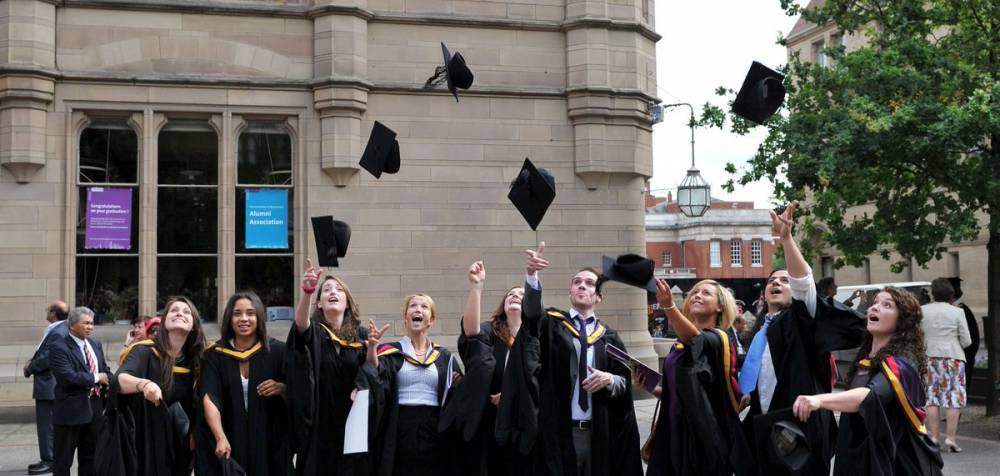 Долги британских студентов: есть ли решение?