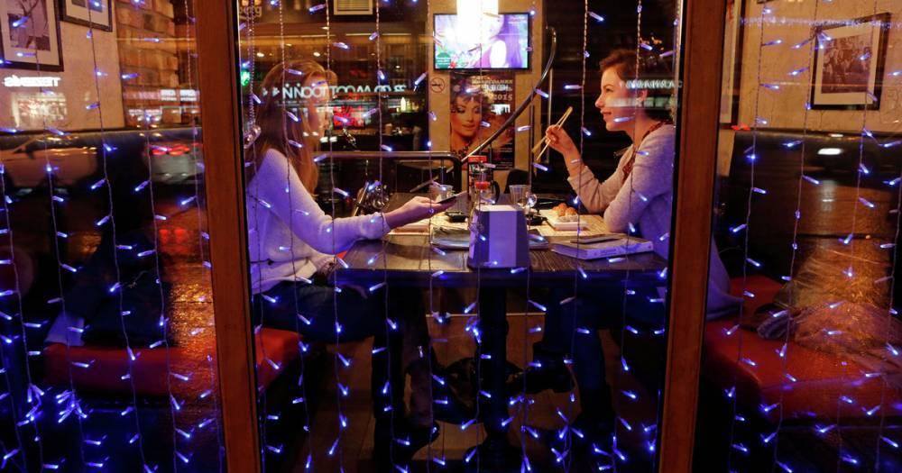 Новогодняя ночь в ресторанах подорожала