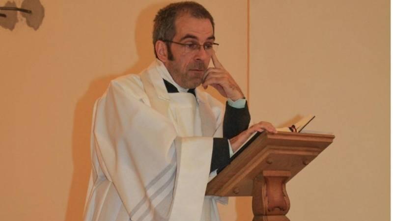 Пастор признался в связи с сирийским беженцем