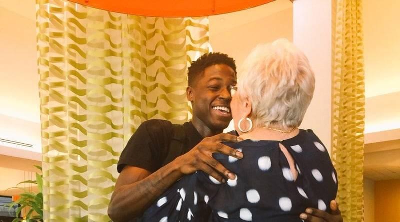 Парень проехал 1000 миль, чтобы встретиться с 86-летней партнершей по Scrabble
