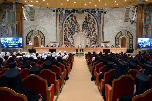 Что обсудили на Архиерейском соборе?