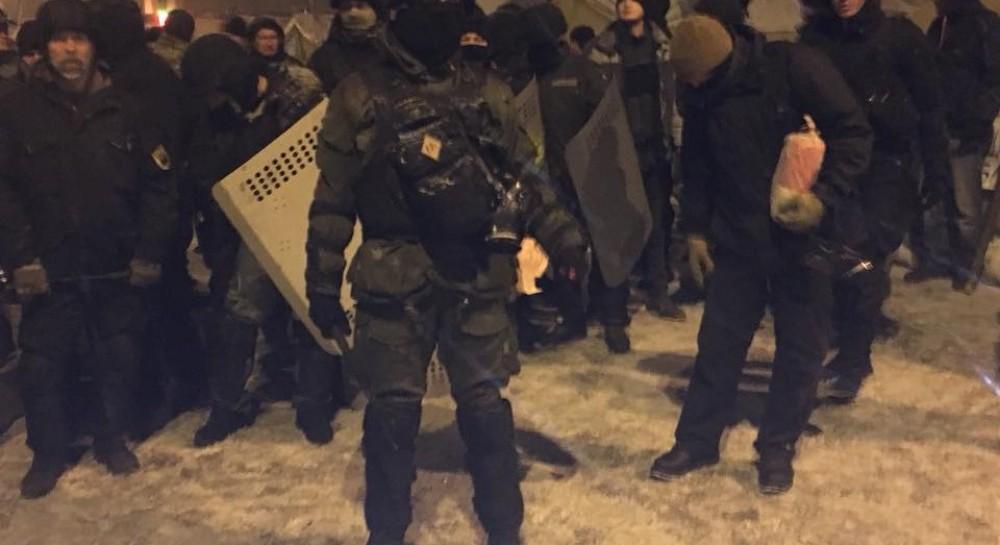 В полиции назвали количество пострадавших во время утренних столкновений возле Рады