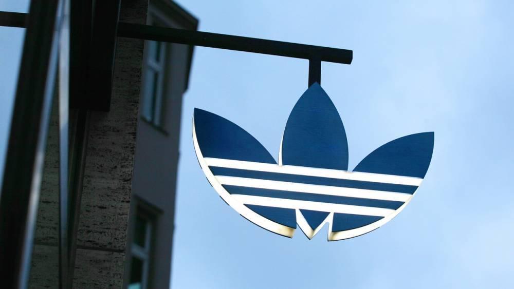 Украинцы предложили объявить бойкот Adidas и Puma за работу в Крыму вопреки санкциям