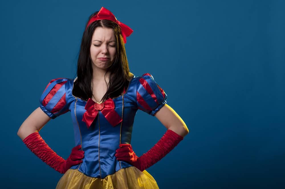 Читать ли детям сказки про принцесс: профессора говорят о сексизме и расизме