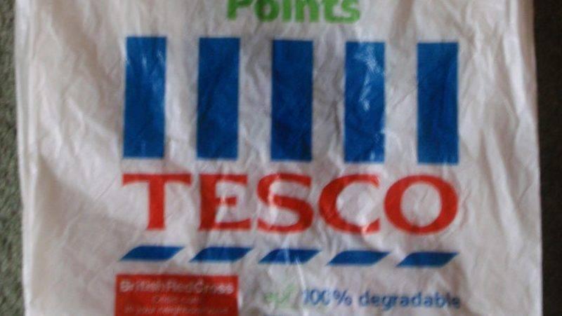 Экономность по-британски: старый пакет Tesco можно продать за £5