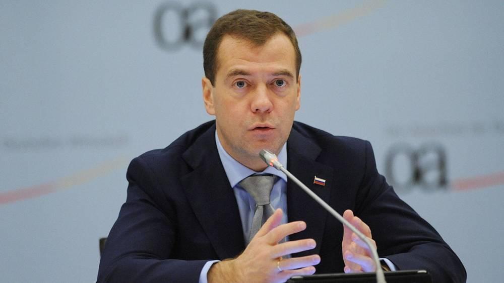 Медведев объявил вердикт МОК попыткой повлиять на россиян перед выборами