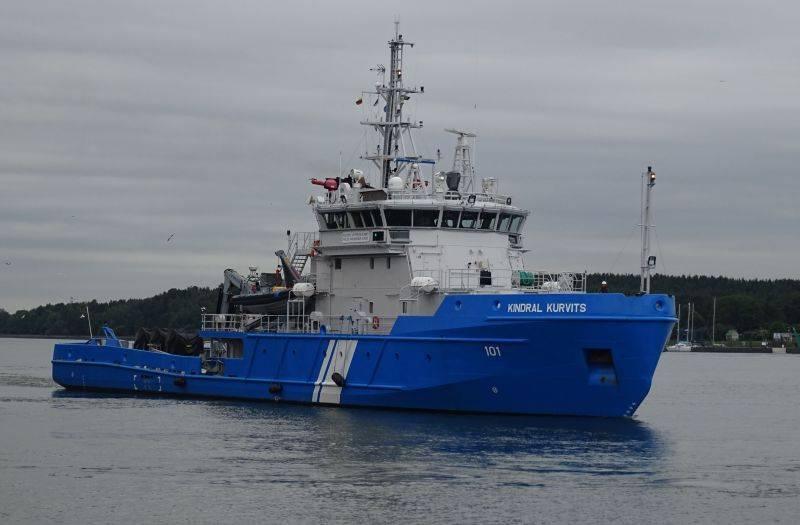 «Петр Великий» и «Дмитрий Донской» сопроводил эстонский флот, выставив судно очистки