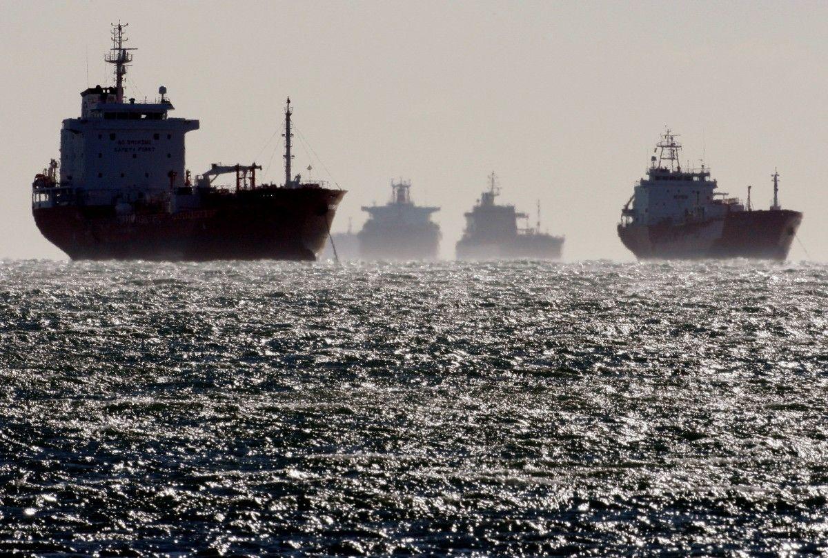 Из России в Северную Корею в обход санкций отправились восемь танкеров с топливом - Reuters