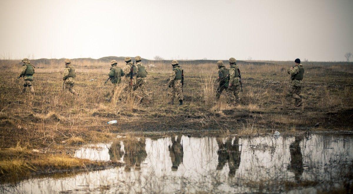 На Донбассе боевики обстреливают силы АТО из минометов и пулеметов, ранен военный