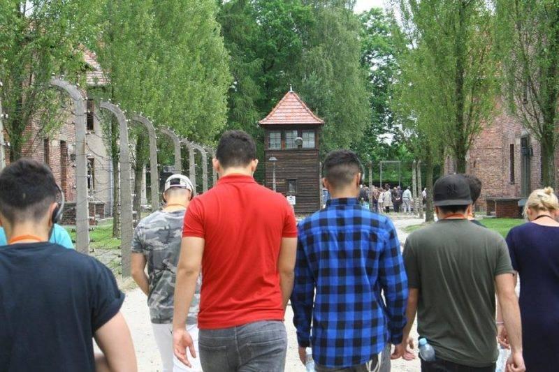 Германия предлагает беженцам тур по нацистским концлагерям