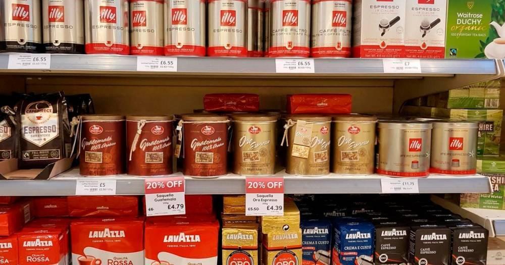 Waitrose изъял из продажи кофе с изображением рабов на плантации