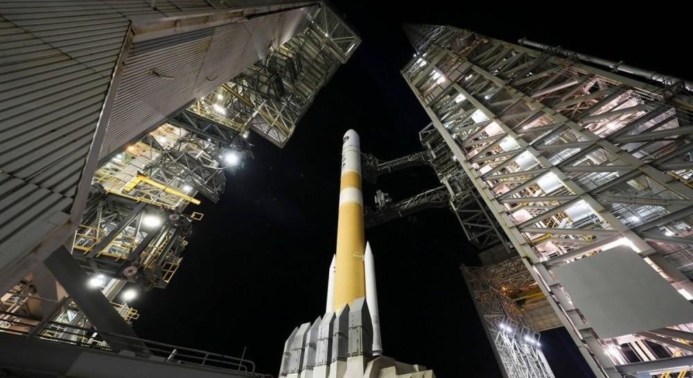США запустили ракету Delta IV с секретным военным спутником