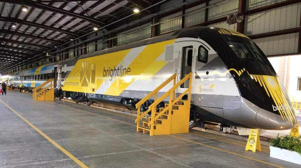 Новый скоростной поезд Brightline насмерть сбил женщину во время тестового запуска во Флориде