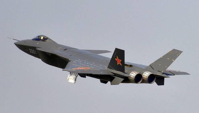 """ВВС Китая провели первые учения с участием """"стелс-истребителей"""""""