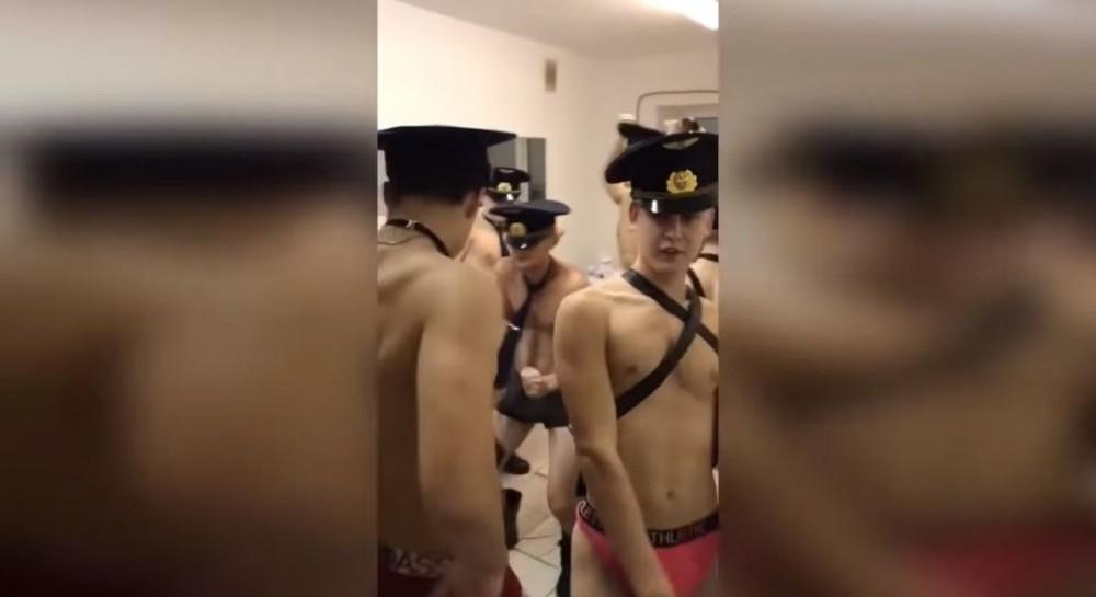 По всей России студенты встали на защиту ульяновских курсантов, снявших эротический клип под Satisfaction (видео 18+)
