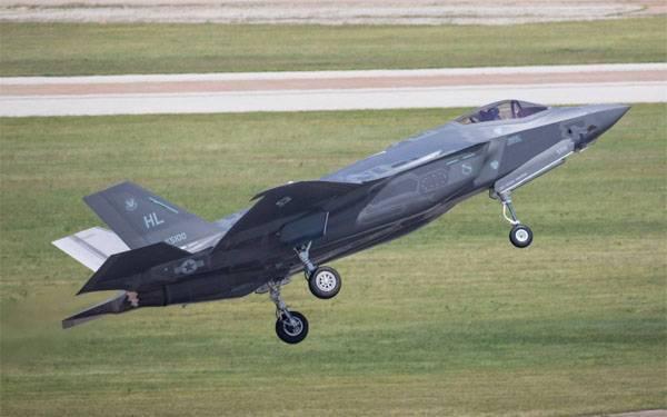 """Вашингтон """"настоятельно рекомендует"""" Бельгии купить партию F-35"""