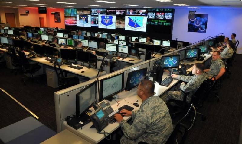 Пентагон в шоке: взломать электронные системы ВС США проще простого