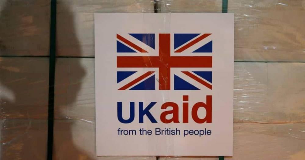 Великобритания тратит £4 млрд. на сомнительные проекты за рубежом, пока британцы считают каждый пенни