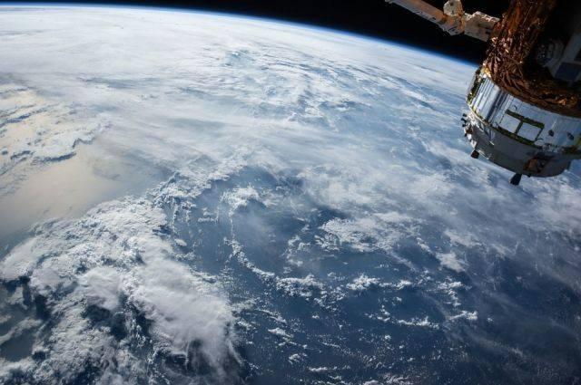 Источник назвал сроки возвращения экипажа МКС на Землю