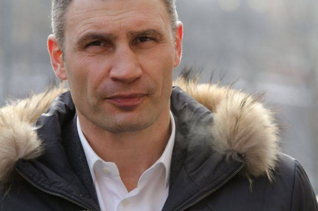 Кличко предлагает отказаться от горячего водоснабжения в Киеве