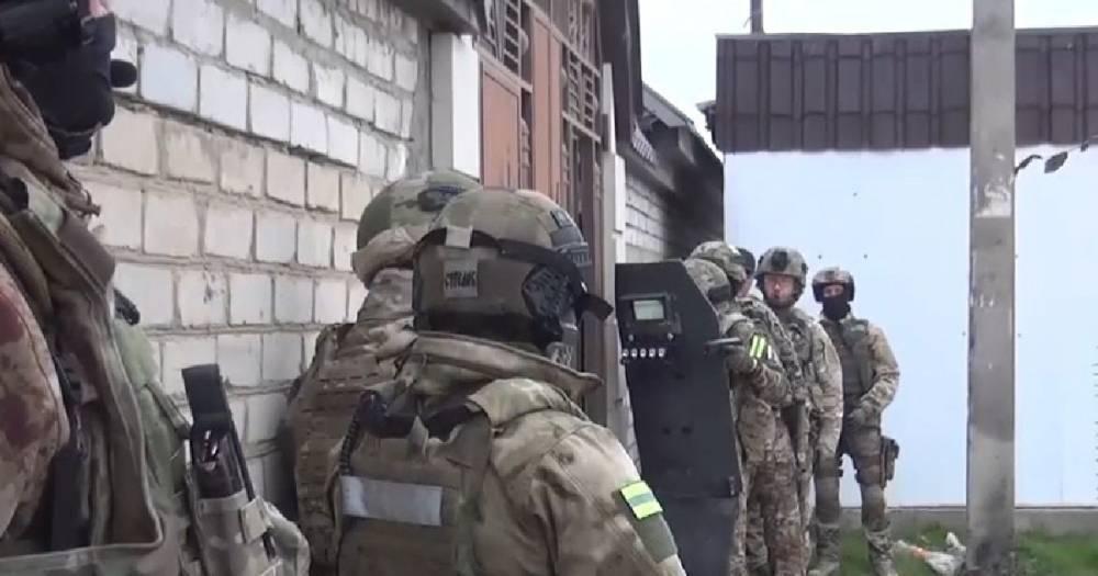 В Дагестане силовики пошли на штурм дома, откуда стреляли боевики