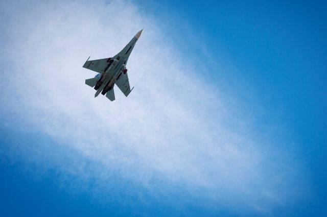 Дипломаты из США работают на месте крушения Су-27 на Украине