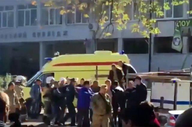 Нападение на колледж в Керчи попало на видео