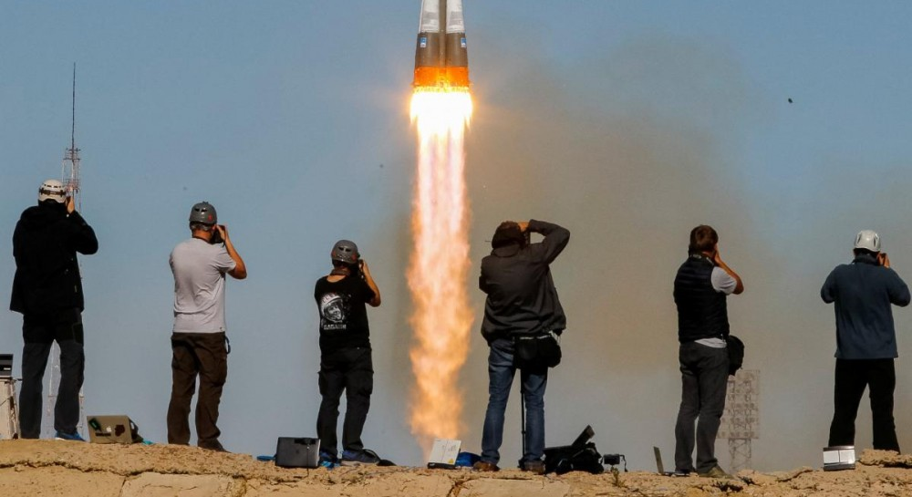 """При сборке ракеты """"Союз"""" на Байконуре применяли грубую силу, что могло привести к аварии - росСМИ"""