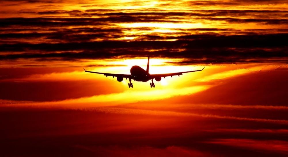 В Канаде экстренно сел самолет из-за трещины на лобовом стекле
